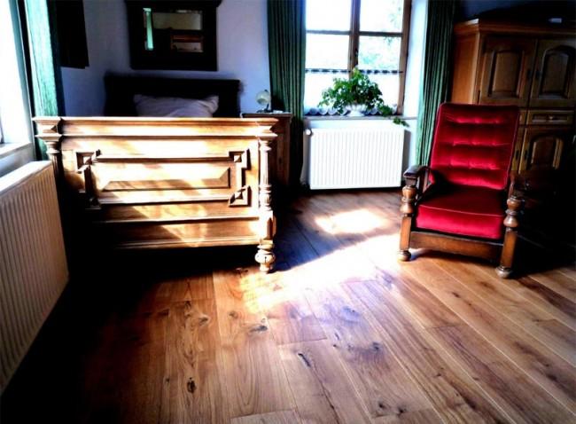 parkett eiche rustikal landhausdielen massivholzdielen g nstig kaufen t renfuxx. Black Bedroom Furniture Sets. Home Design Ideas