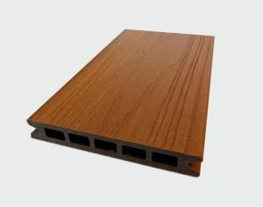 Muster Terrassendiele WPC Hohlkammer (Ipe Braun, ummantelt, Struktur)